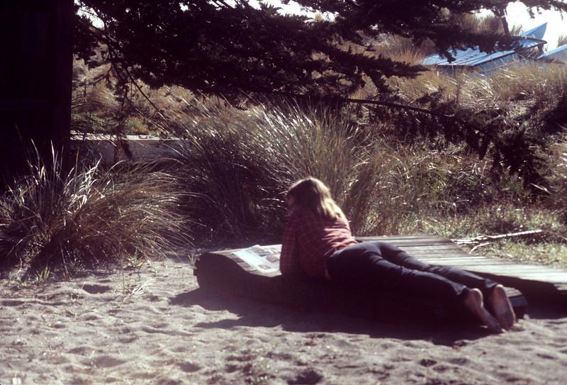 1985-12 Chris At Sinson Beach.jpg