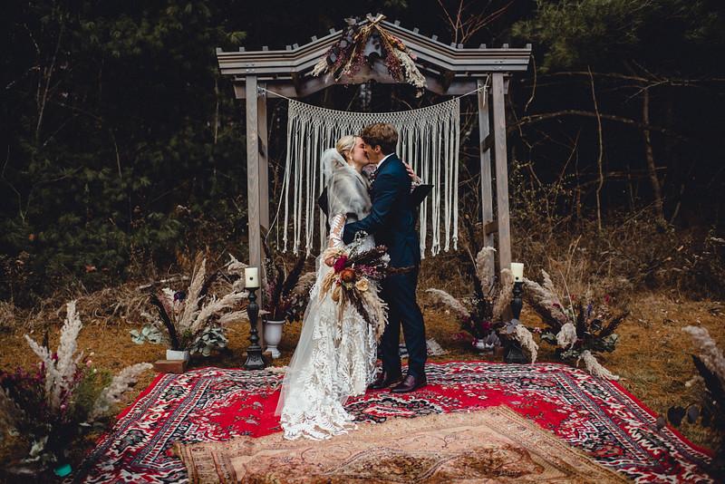 Requiem Images - Luxury Boho Winter Mountain Intimate Wedding - Seven Springs - Laurel Highlands - Blake Holly -1081.jpg