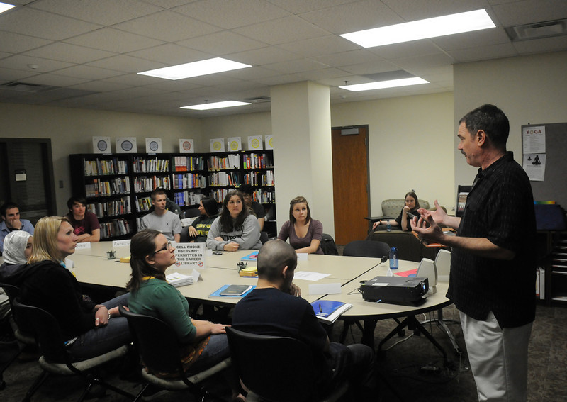 Students get help from Career Services staff member, Ralph Lattanzio, on transitioning from college to the workplace.
