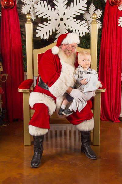 Santa 12-16-17-359.jpg