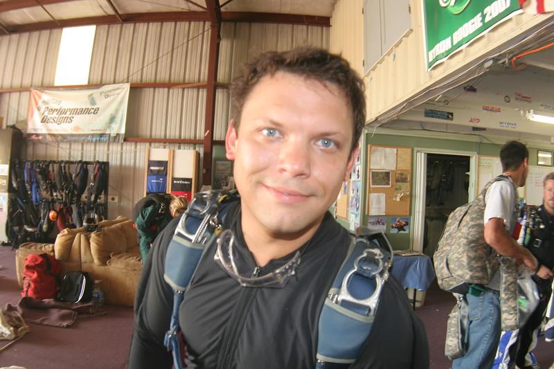 craig skydiving sept 2008-2.JPG