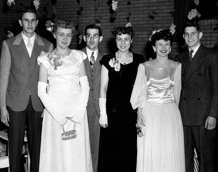 Circa:1946, photo of Art & Dodie(on the right) pre-wedding out with some friends