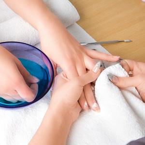 710310-guest-manicure