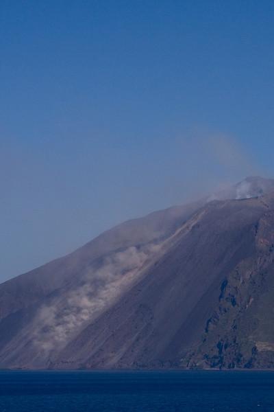 Stromboli Lava Flow 2.jpg