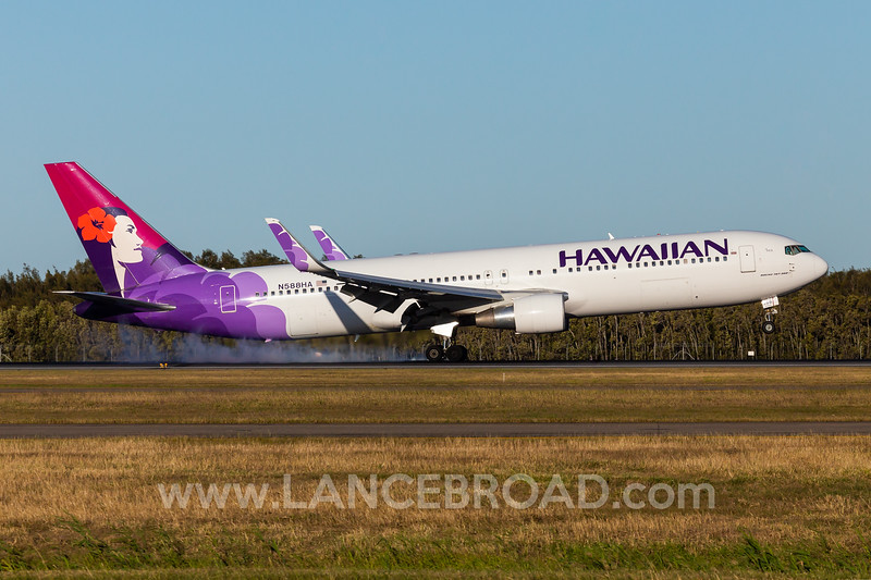 Hawaiian 767-300ER - N588HA - BNE