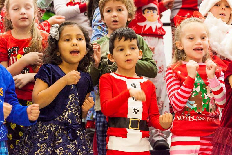 Christmas First Grade-37.jpg