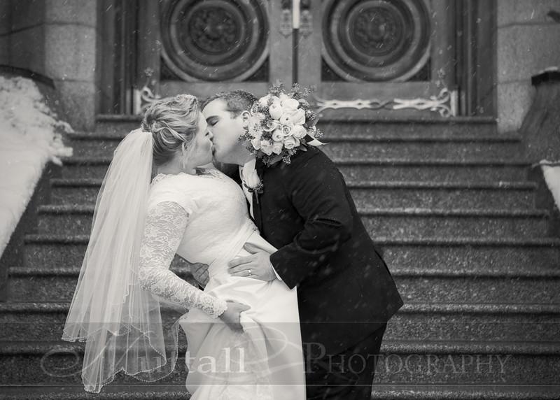 Lester Wedding 058bw.jpg