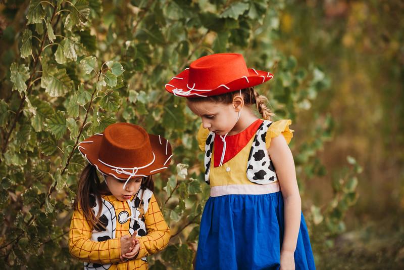 Madi and Abby Halloween 2019-9646.jpg