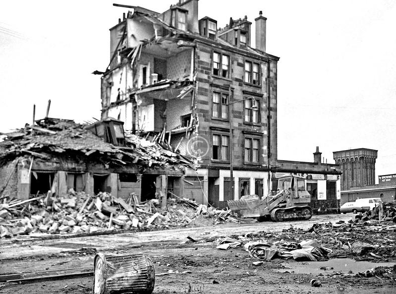 McLean St at Govan Rd     June 1975