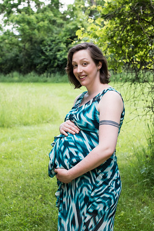 Outdoor Maternity Session in a Field