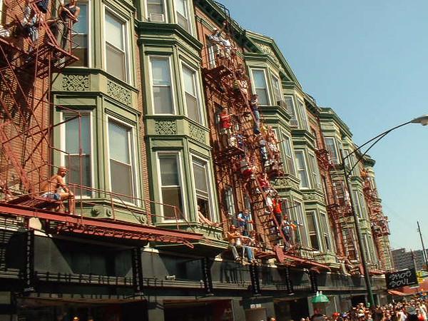 Pride Parade 2001-73-1.jpg