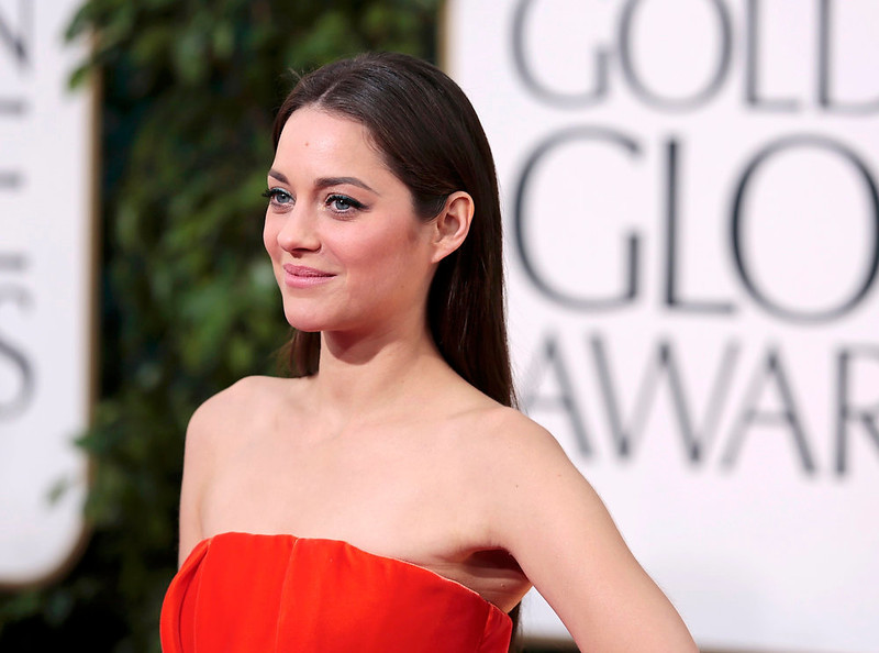 ". Actress Marion Cotillard of the film ""Rust and Bone\"" at the 70th annual Golden Globe Awards in Beverly Hills, California January 13, 2013. REUTERS/Jason Redmond"