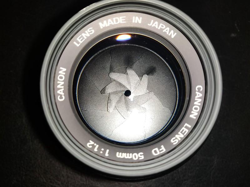 Canon FD 50 mm 1.2 - Serial V900 & 29927 007.jpg