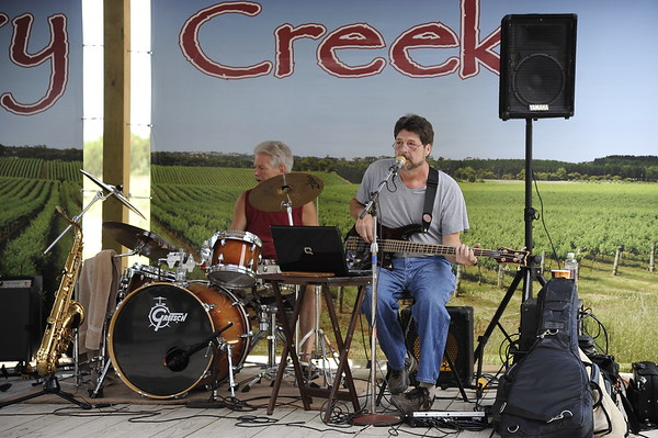 Bille Lewis & the Soulbacks @  Cherry Creek Winery 7/9/11
