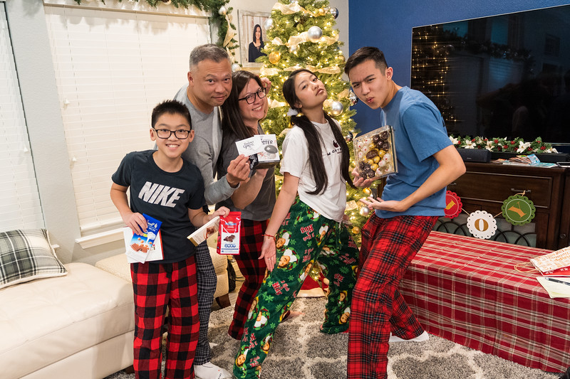 20191225_christmas-ho-family_058.jpg
