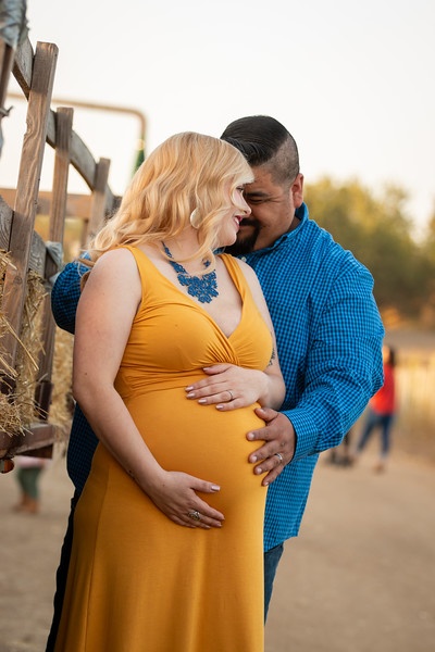 Rodriquez Maternity-9346.jpg