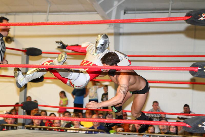 wrestling331.JPG
