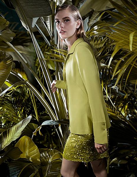 Stylist-Sabine-Feuilloley-Lifestyle-Commercial-Creative-Space-Artists-Management-65-karen-harman-spring-print.jpg