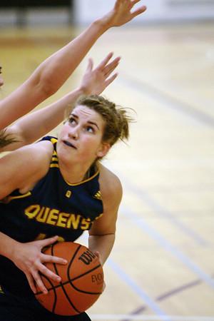 Women's Basketball - Queen's at York 20100115