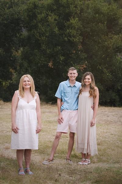 Los Leones Canyon Family Portrait -028.jpg