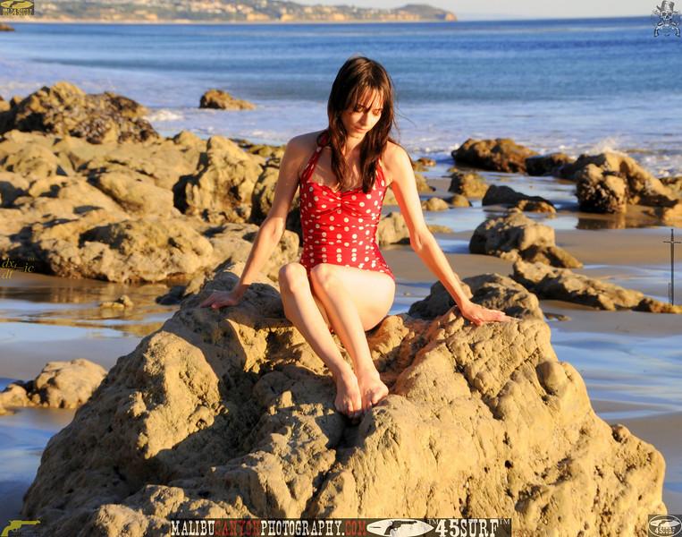 matador swimsuit malibu model 880.435.345.jpg