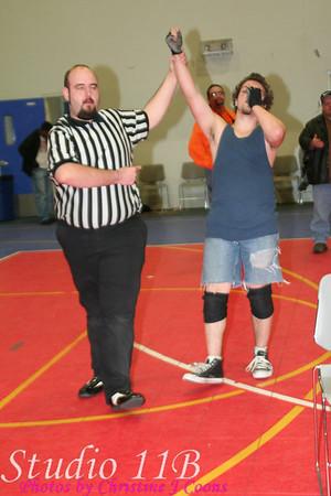 EM 081122 - Saint Jimmy vs Johnny Ramirez vs Tyree O'Neil