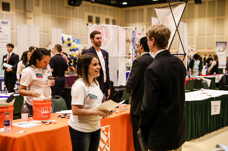 2017_CareerFair-16.jpg