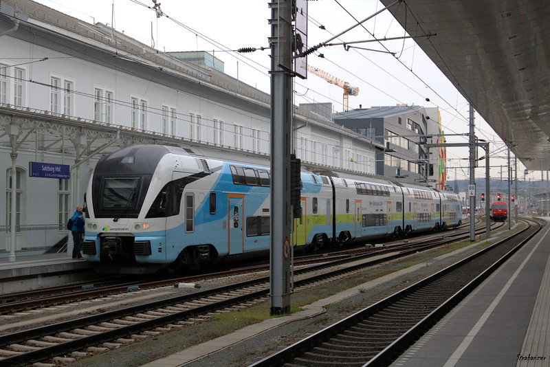 WESTbahn four-car double-deck KISS multiple unit for the  Vienna-Salzburg route.   Salzburg, 04/03/2019 This work is licensed under a Creative Commons Attribution- NonCommercial 4.0 International License