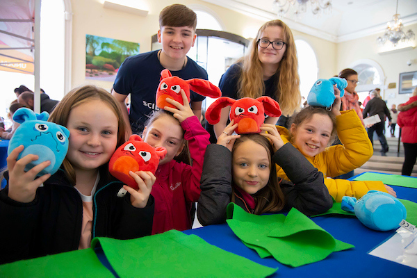 10/11/19.. Pictured during Science Week with WIT (Waterford Institute of Technology) by Calmast. Pictured during the Bubble show with the London Science Museum at The Theatre Royal, Waterford City. Pictured are Lily Joy, Ian Holden Transition Year volunteers with Ruby Glynn, Sophie Langford, Jill Power,Rachel Kavanagh. Picture: Patrick Browne
