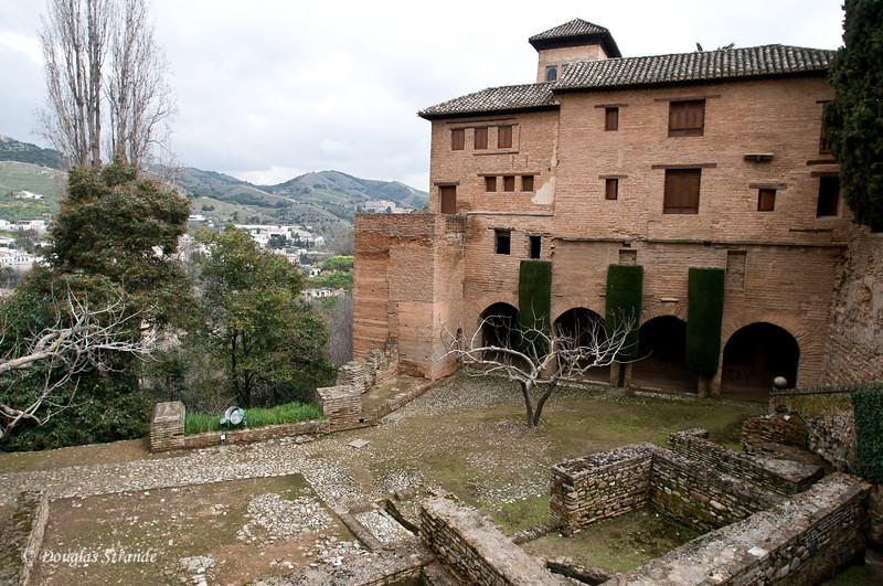 Fri 3/11 at La Alhambra in Grenada: More digging