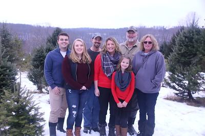 11-25-18 Byam Christmas Tree Mini
