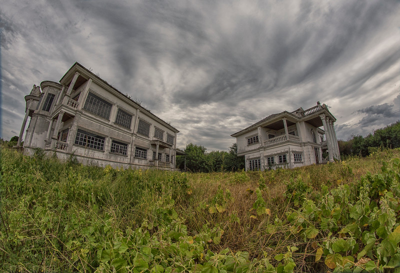 AbandonedMansdw08.jpg