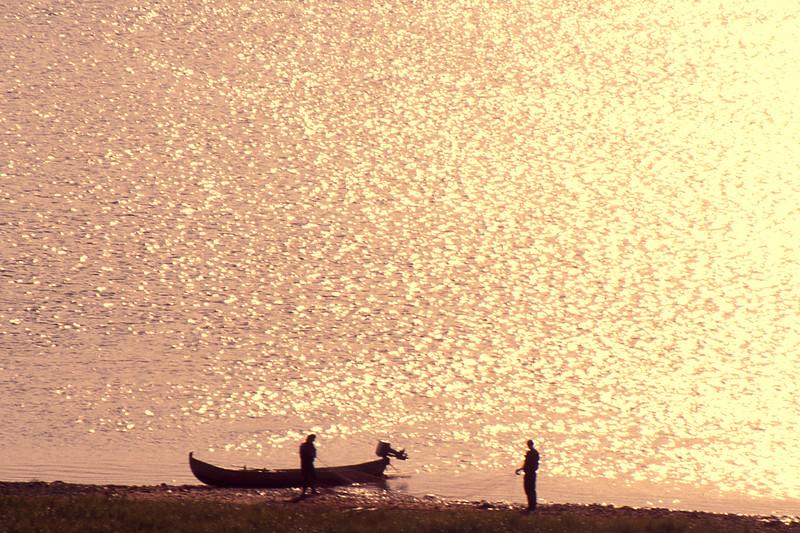 Fishermen - Torhop, Tanafjord (?), Norway - July 1989