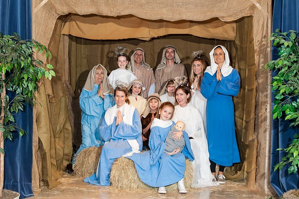Family Manger Photos 12-16-2016