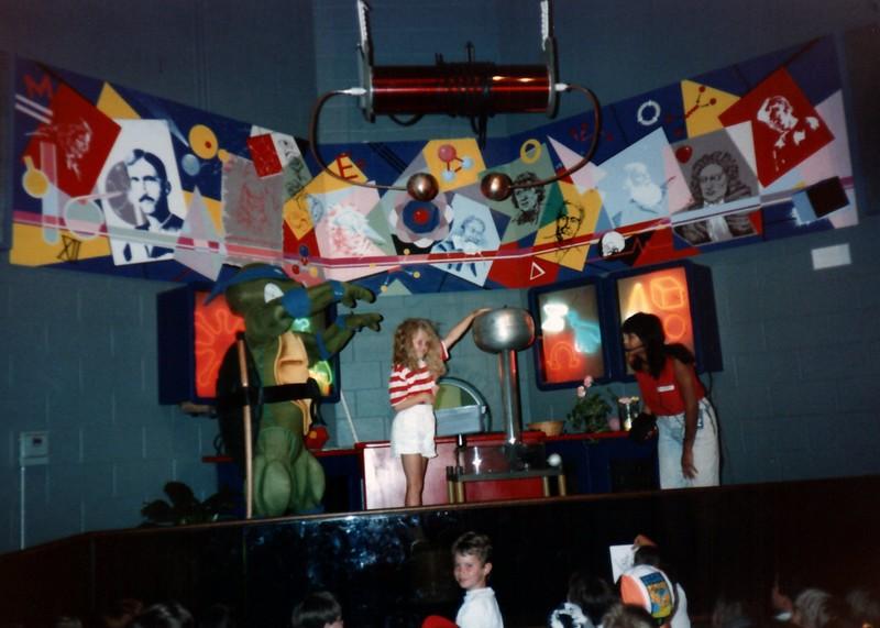 1989_Spring_Yankee_Stadium_Science_Center_0013_a.jpg
