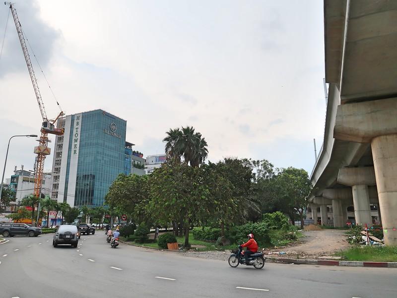 IMG_3995-offices-opposite-tan-cang.jpg