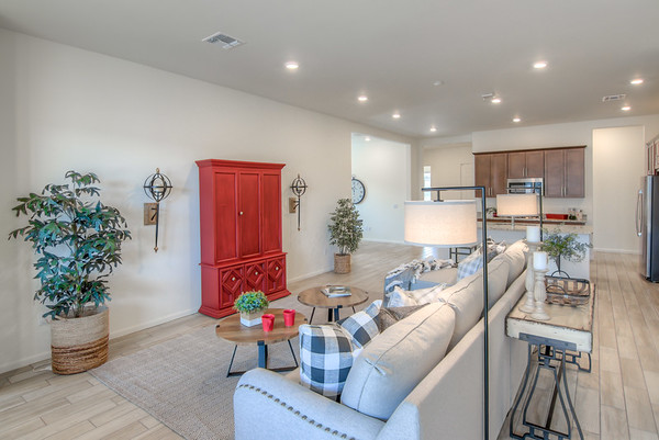 Staging Project at 1674 W. Hyperion St, Tucson, AZ 85704
