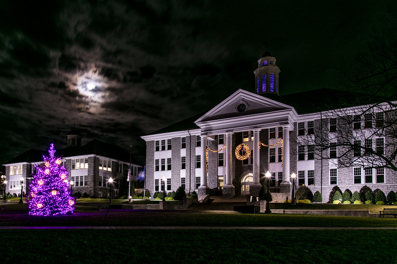 'Super'moon over Wilson Hall