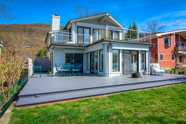 34 Hudson River Lane in Garrison, New York