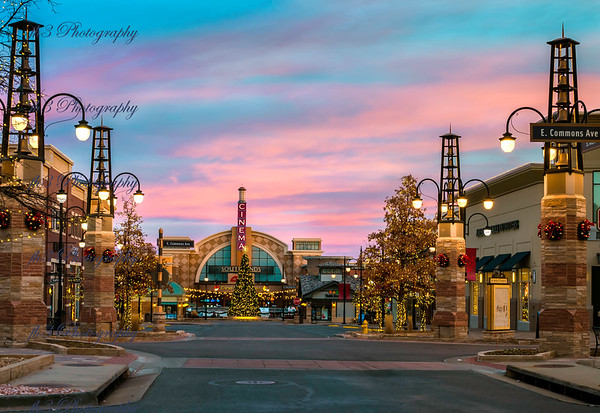 Christmas at Southlands. Got up early on the 23rd to catch a sunrise. So I just went across the street to the mall.
