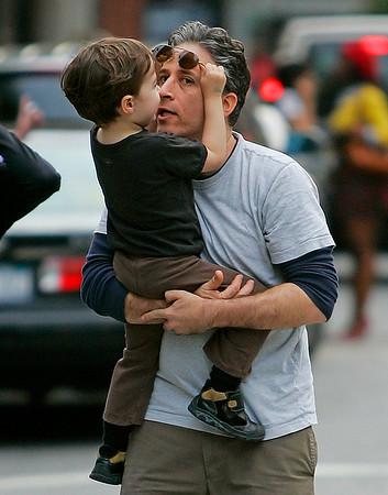 2008-05-17 -  Cynthia Nixon, Jon Stewart and Family