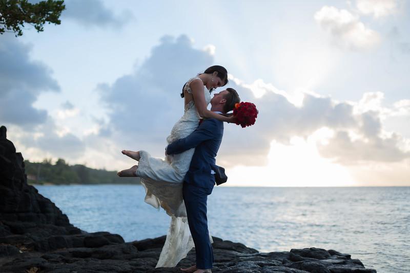 Anini-beach-wedding-photos-33.jpg