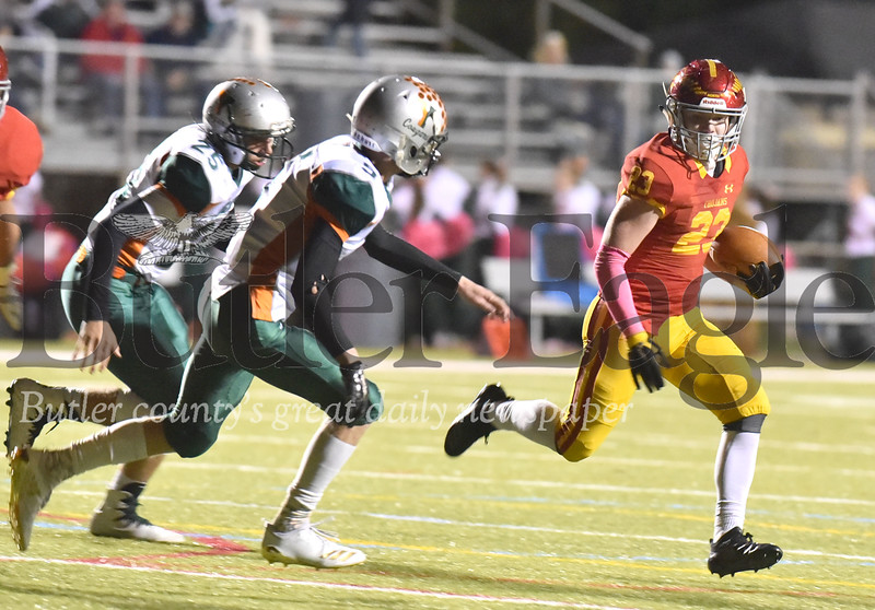 82629 North Catholic vs Yough in a WPIAL class 5A football game   at Mars