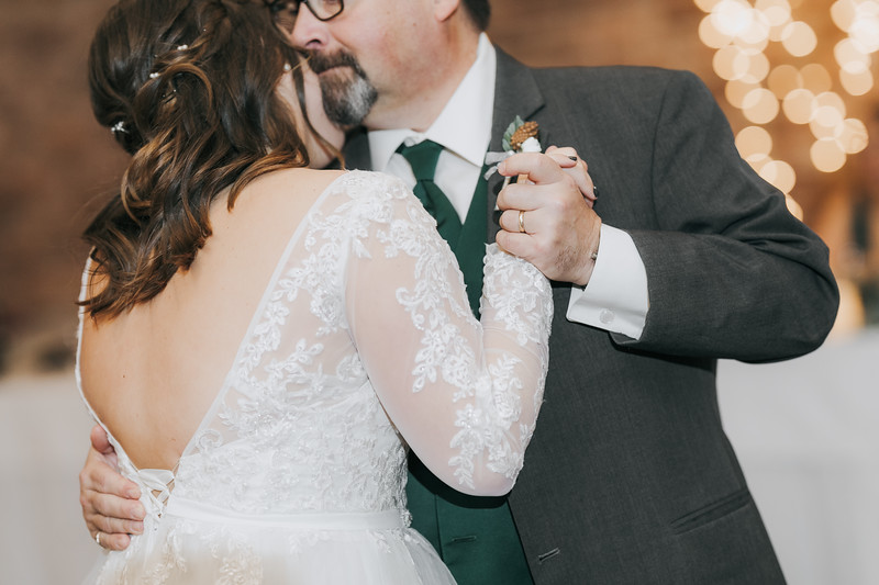 Johnna_Derek_Wedding_La_Casa_Grande_Beloit_Wisconsin_December_15_2018-385.jpg