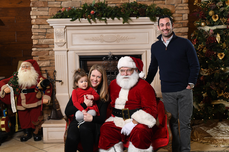 Santa2018.TylerBoye.-63.jpg