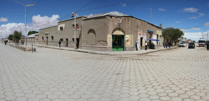Uyuni streets, travel agencies and bus departure point