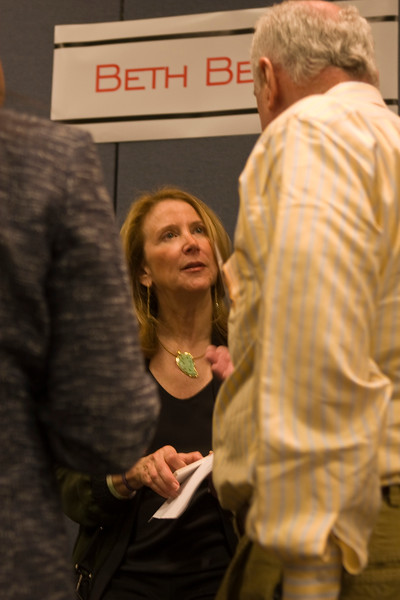 Consultant, thought leader, and author Beth Beloff shares extensive expertise that spans a host of industries plus her powerful insights regarding Sustainable Development with attendees in the break area for an additional 20 minutes of informal, up close, and personal exchange