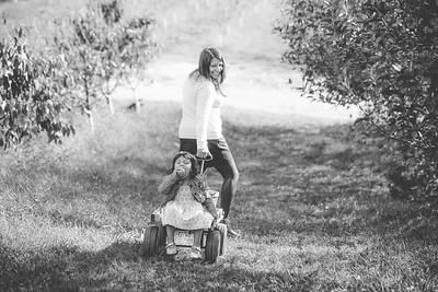 Family Potraits at Skytop Apple Orchard, Flat Rock, North Carolina