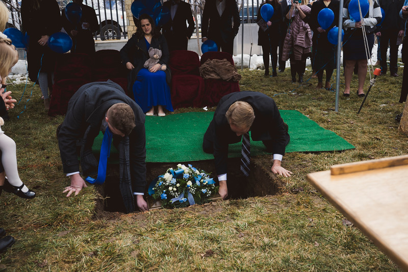 baby dew funeral-76.jpg