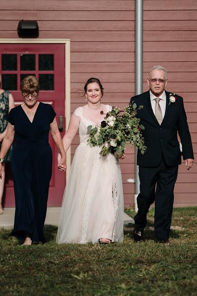 rustic_ohio__fall_barn_wedding-205.jpg